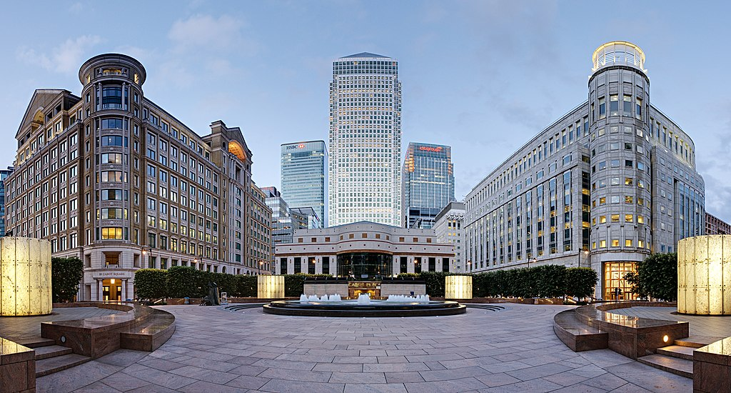 Canary Wharf business district, location of the European Medicines Agency, view east from Cabot Square. Photo credits: By Diliff (Own work) [CC BY-SA 3.0 (https://creativecommons.org/licenses/by-sa/3.0) or GFDL (http://www.gnu.org/copyleft/fdl.html)], via Wikimedia Commons